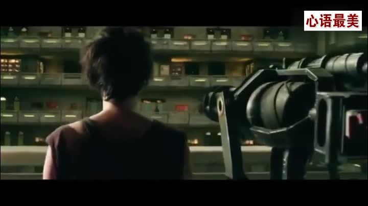 #经典看电影#电影《特警判官》中加特林机枪横扫贫民窟片段