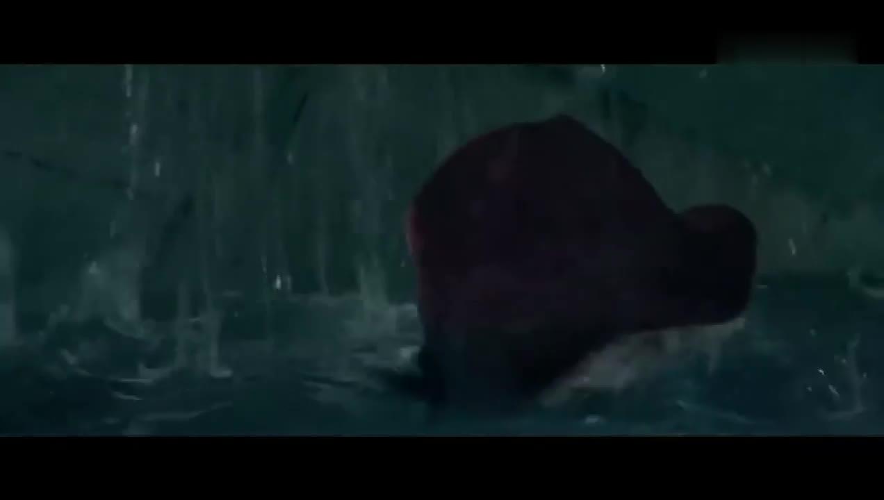 #经典看电影#帕丁顿熊2片段帕丁顿水下逃生