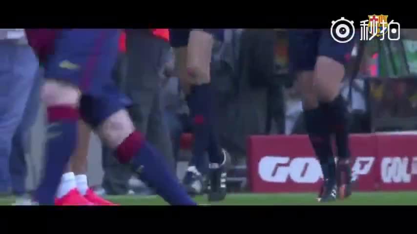 官网回顾了梅西和迭戈·阿尔维斯(瓦伦西亚门将)的交锋。