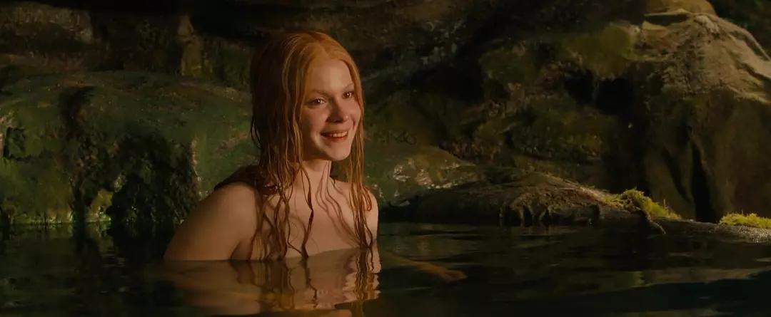 #经典看电影#和美艳女巫共浴后,肌肉男身上的伤痕统统痊愈,神奇至极