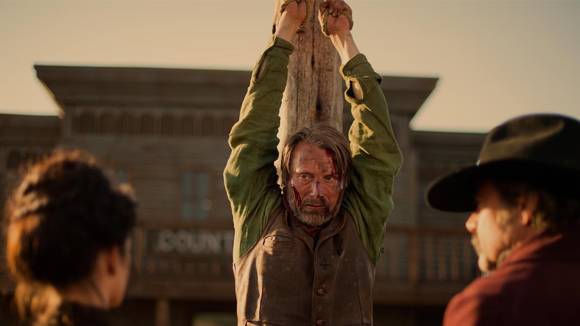 #经典看电影#汉尼拔来到美国西部,被老汉吊起来抽,还好拐跑了老汉弟的媳妇