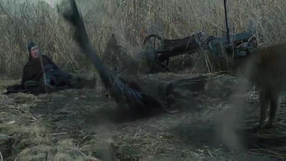 #电影迷的修养#猎人用网将乌鸦捕获,不料乌鸦突然变身成人,吓的猎人赶紧跑路