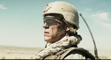 一部还原真实战争的狙击电影,狙击手一旦暴露,将会被逼至绝境