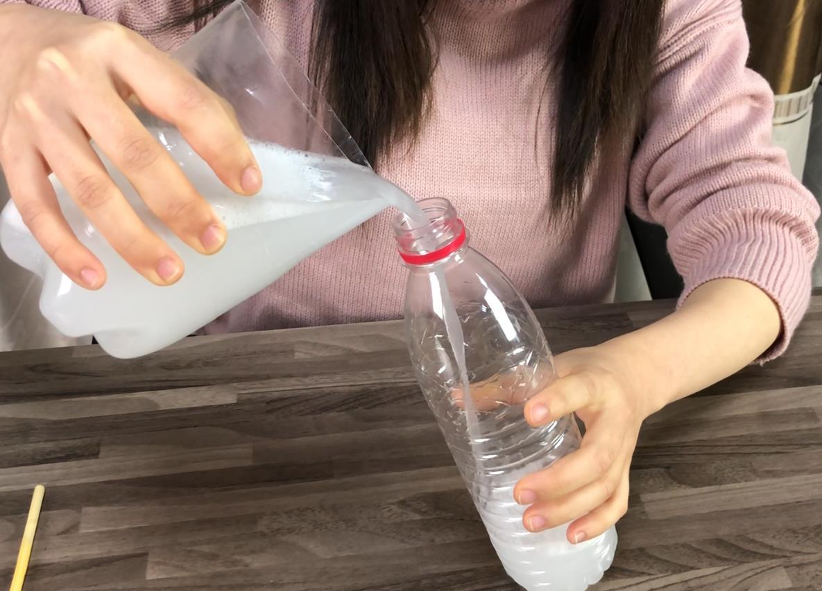 #洗洁精制作,小妙招#洗洁精在家5毛钱就能做一大瓶,比买的还好用,而且还健康环保