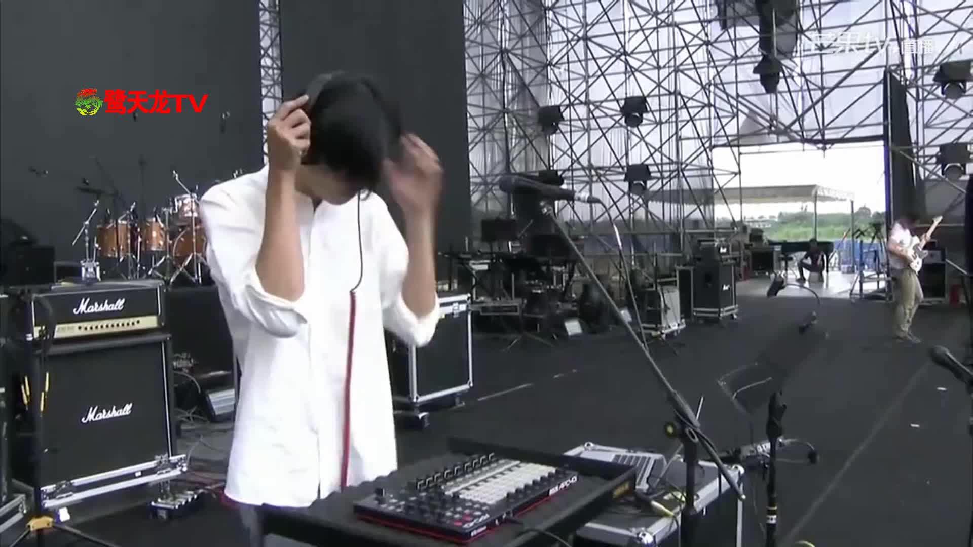 2017成都春浪音乐节:恰吉《游戏》