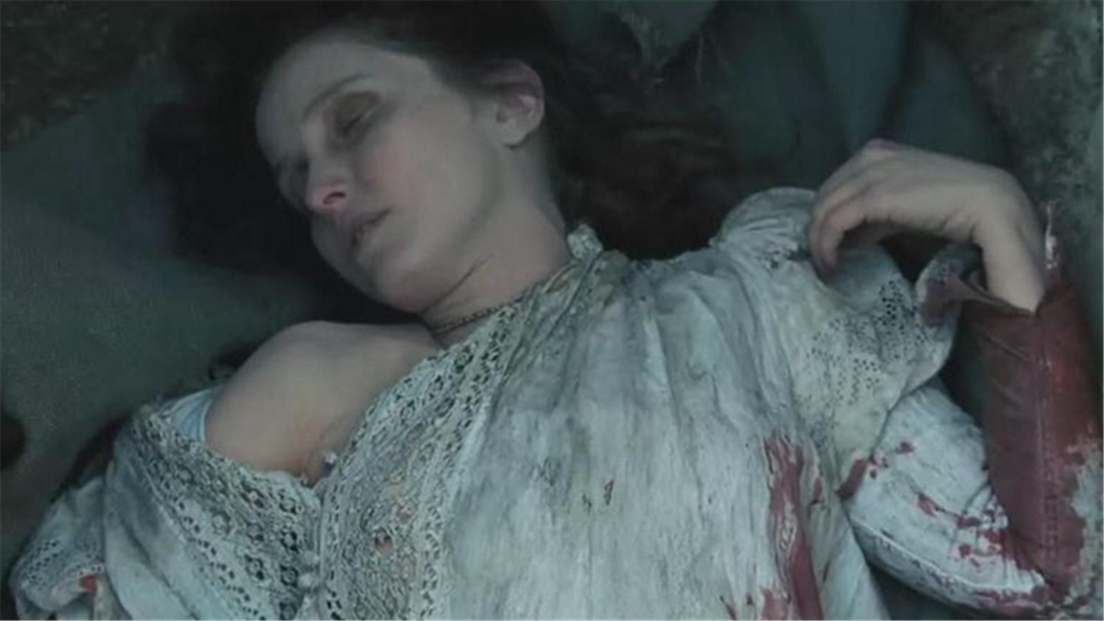 #经典看电影#女伯爵为保住青春,杀害了数百名少女,城堡内血流成河