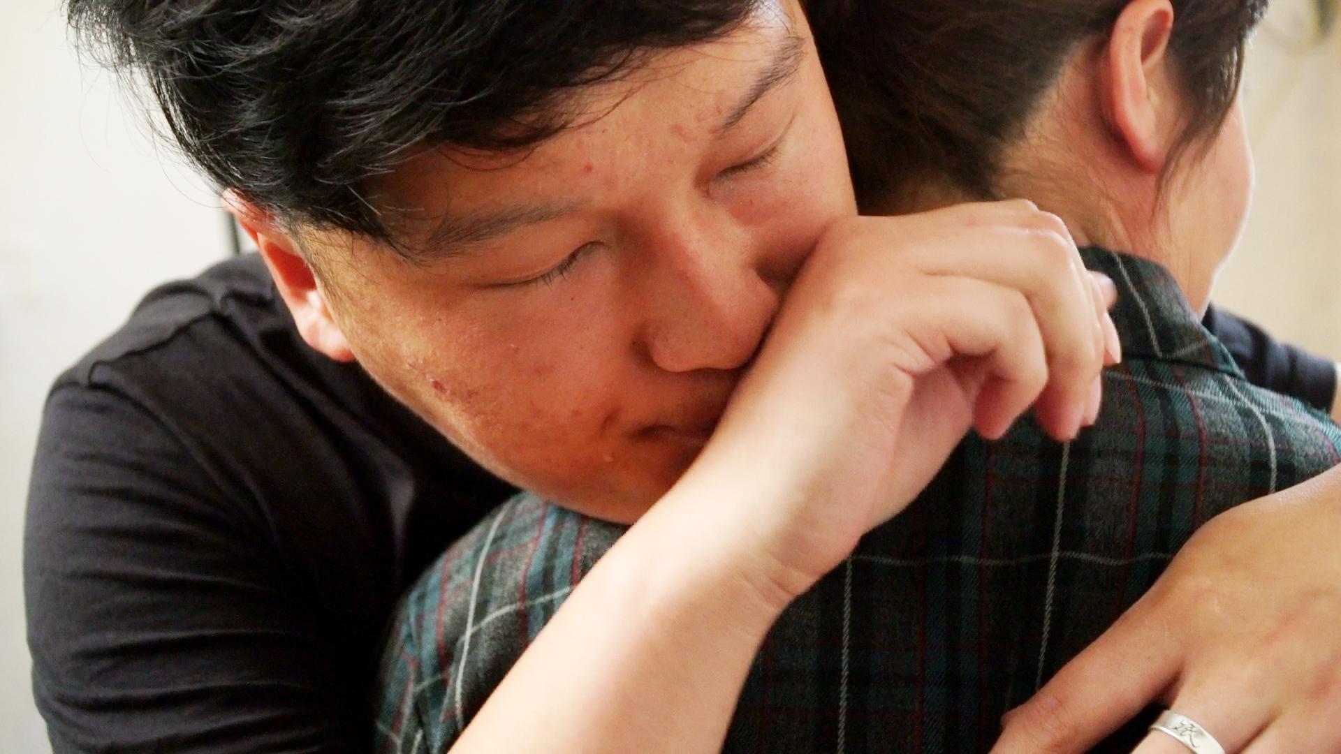 """#情感#母亲出意外,男子""""将时间倒流"""",去疼爱自己的母亲!"""