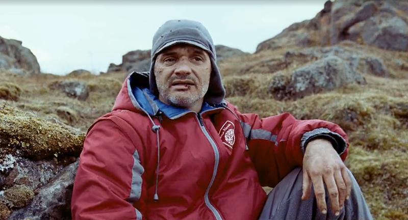 #惊悚看电影#5分钟看完褒贬不一的《逃出冰魔岛》暴力与逃亡者的真人吃鸡游戏