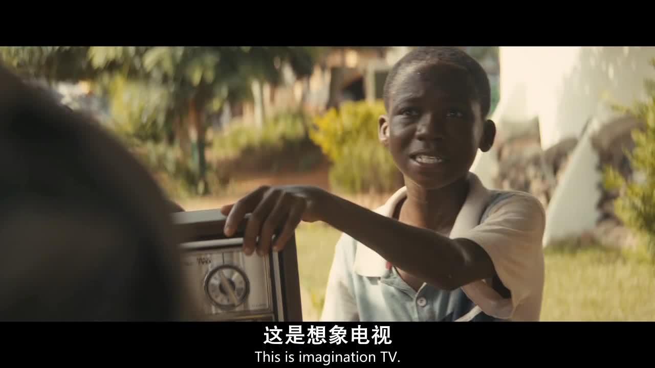 六个男孩去找警官卖电视,原因竟是为了换取食物,感人