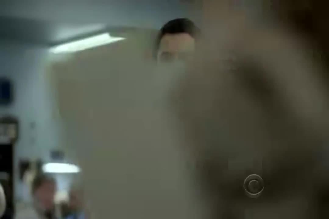 雷称他和亚历克斯的关系很铁,而车间老师吉米却并不友好