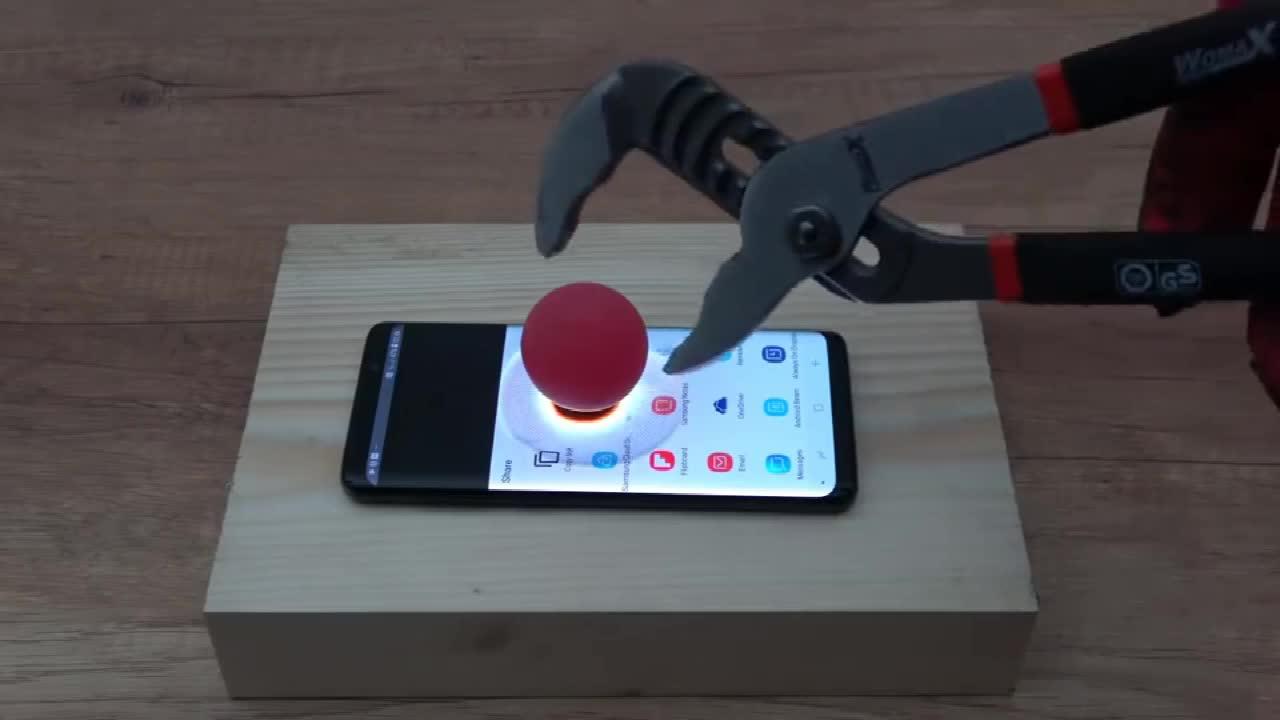 土豪实验, 把1000度的金属球放三星S9屏幕