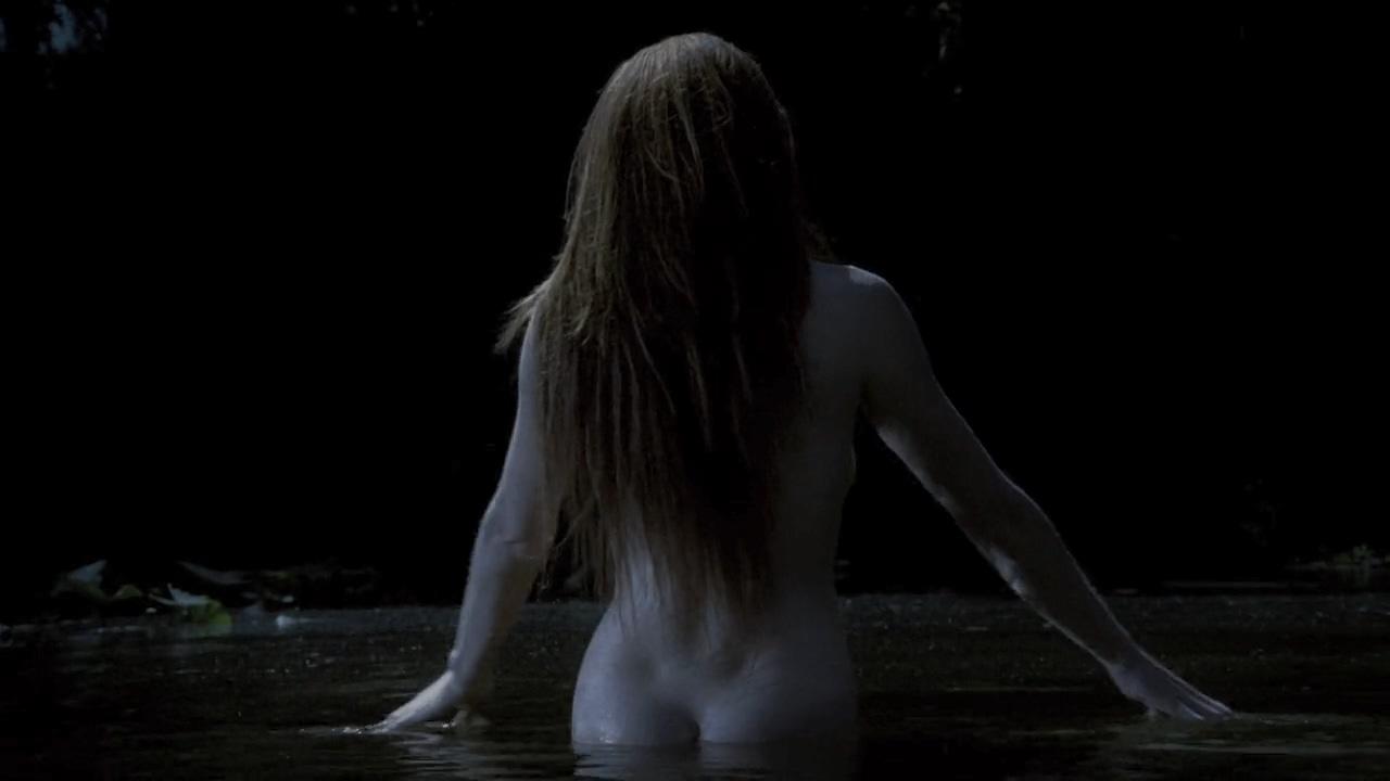 #经典看电影#男子深夜惊现湖中有一裸体美女,游到近前后惊呆了!