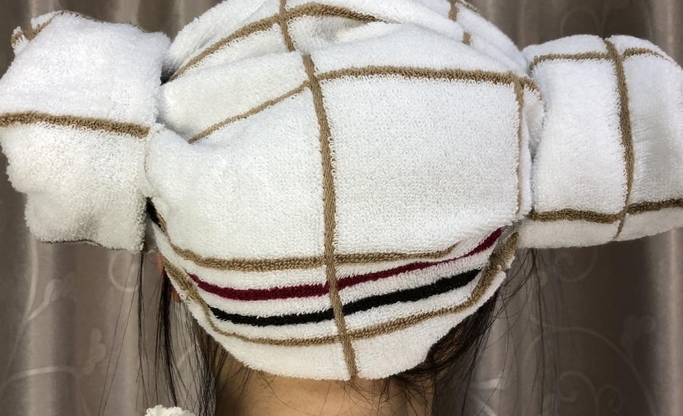 #毛巾折叠浴帽,教程#用毛巾折叠浴帽,很多人电视上见过但不知道怎么做,其实非常简单