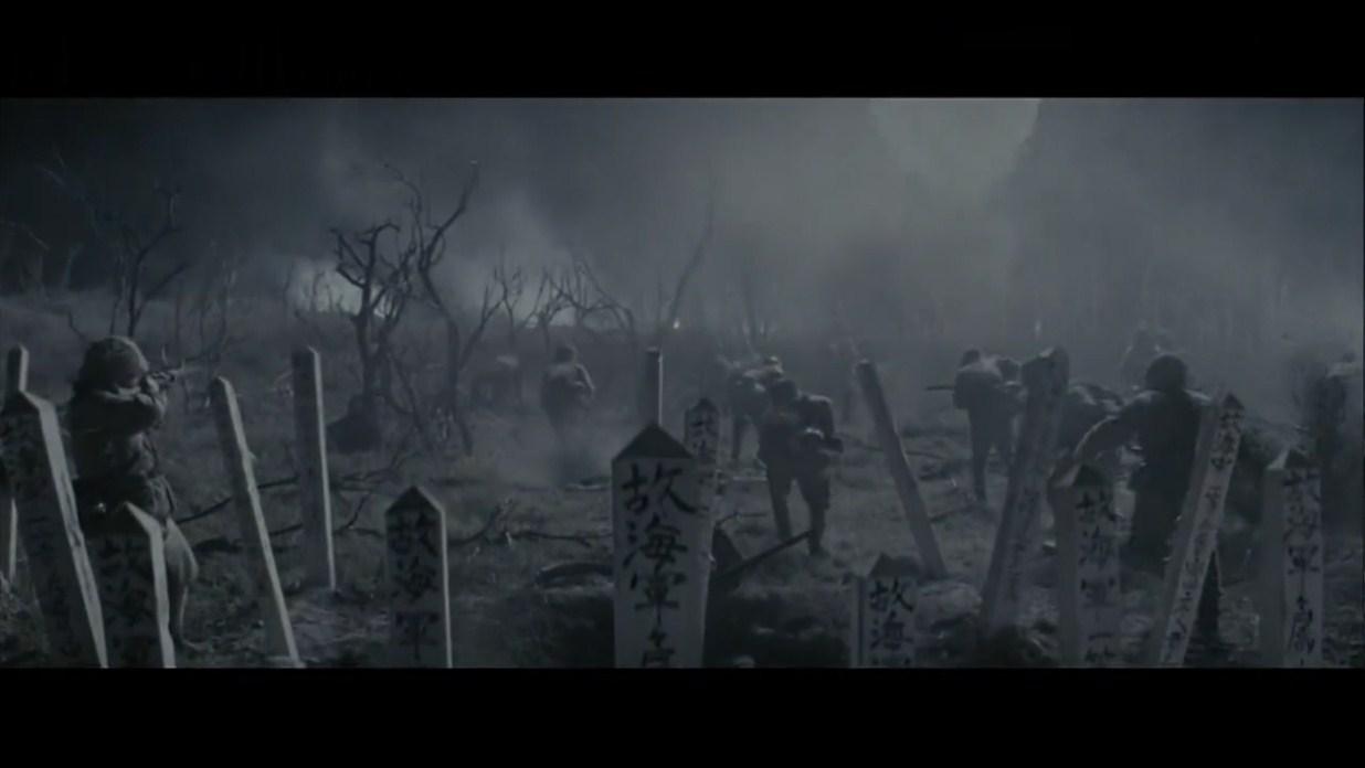 夜袭不成改成万岁冲锋的日军,被美军重机枪扫得尸横片野抱头鼠窜