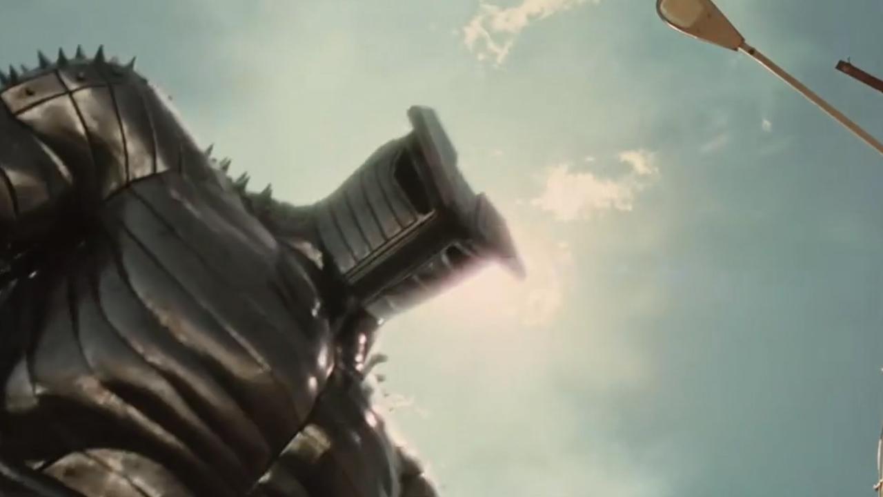 #经典看电影# 雷神下凡后,遭钢铁巨人追杀,愤怒地亮出了一个锤子