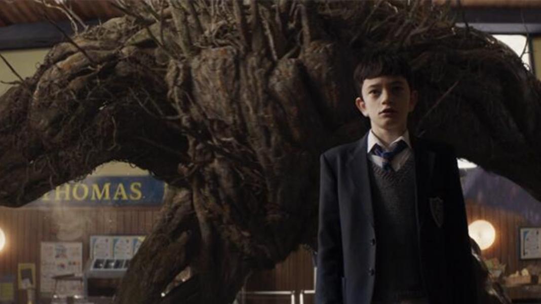 #经典看电影#小伙召唤出了千年树怪,不仅成了自己的导师,还走上了人生巅峰!