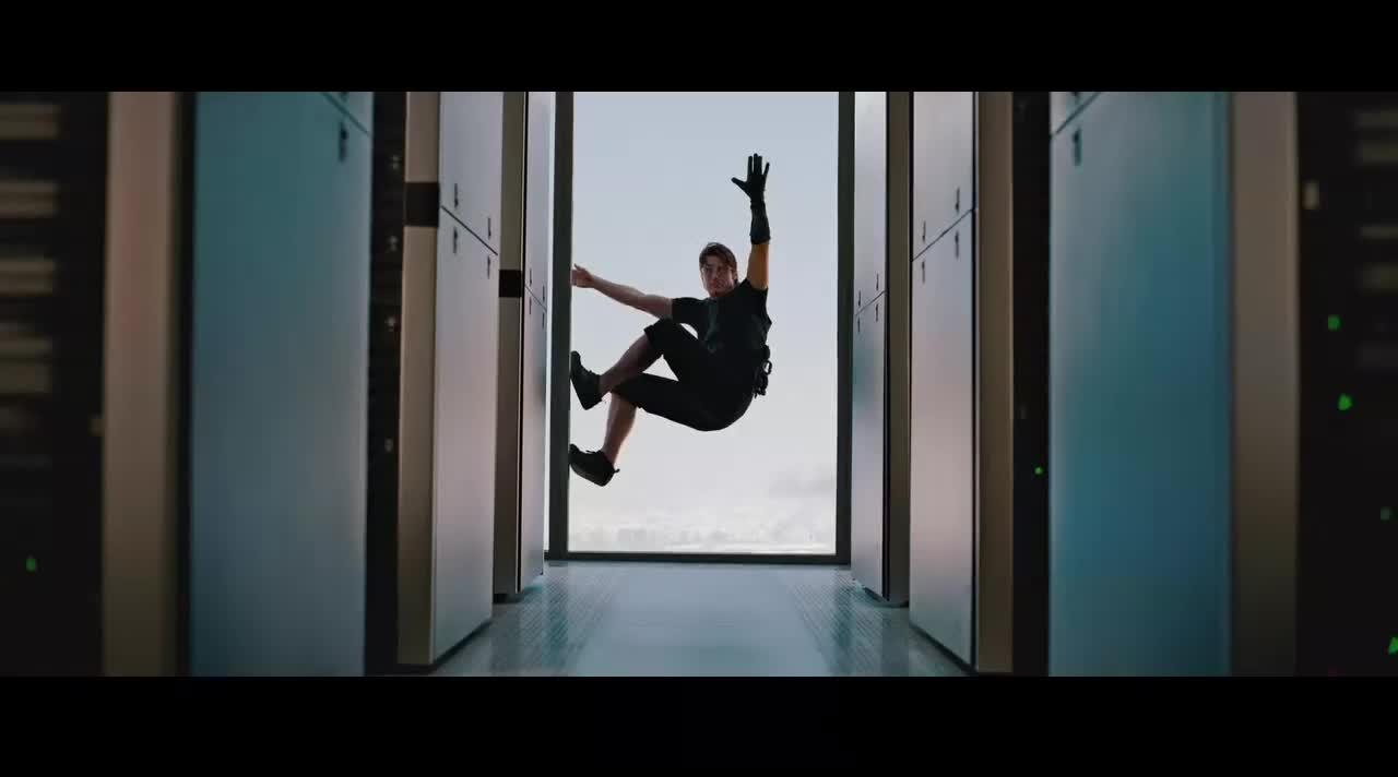 敢在这么高的楼上爬的他是第一个《碟中谍4》