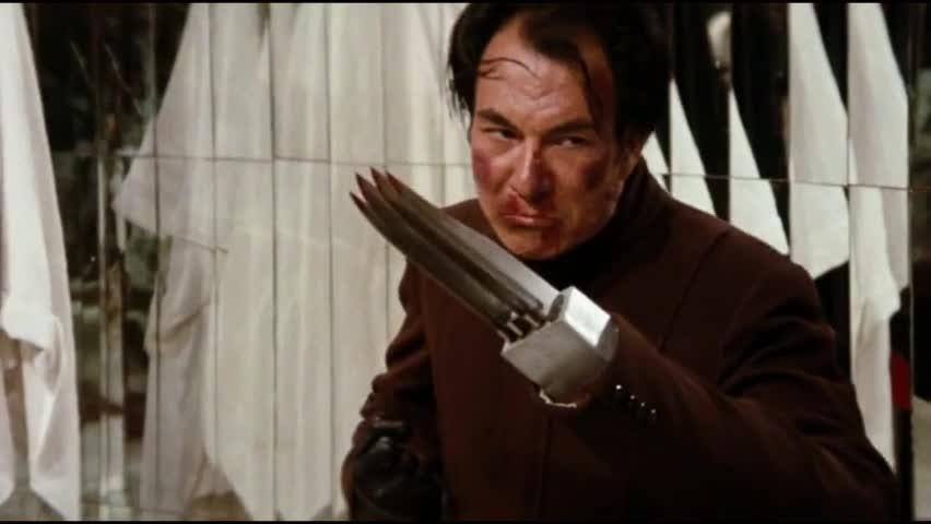 《龙争虎斗》小伙打碎镜子,终于找到坏人,一脚了结了坏人