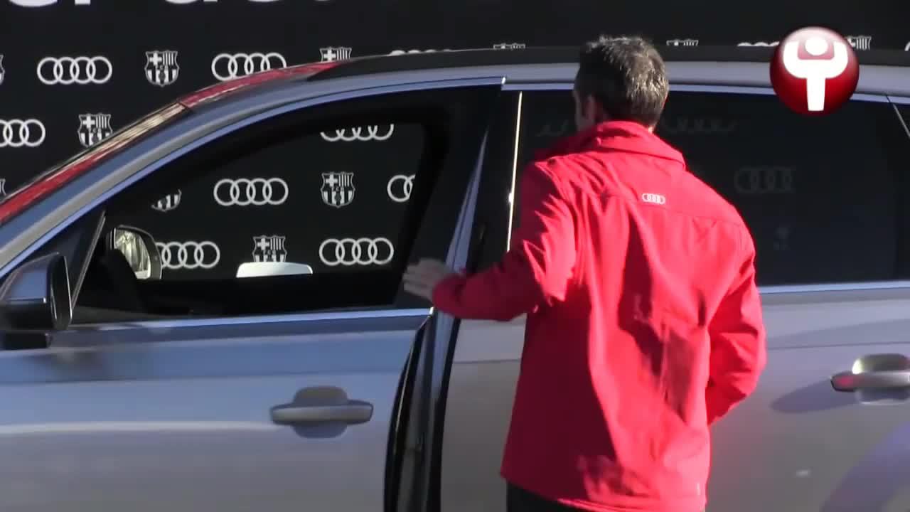 尴尬了!奥迪赠车仪式,巴尔韦德新车竟无法发动?