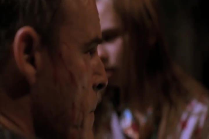 罪犯太残忍了,竟然这样对待一个小女孩,该死!