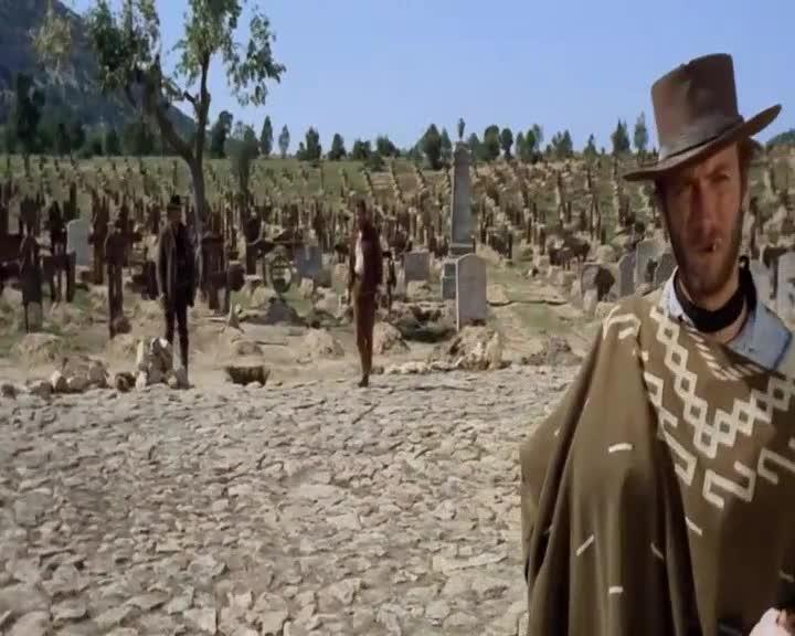 《黄金三镖客》经典的西部牛仔片鼻祖,经典的配乐,经典的决战