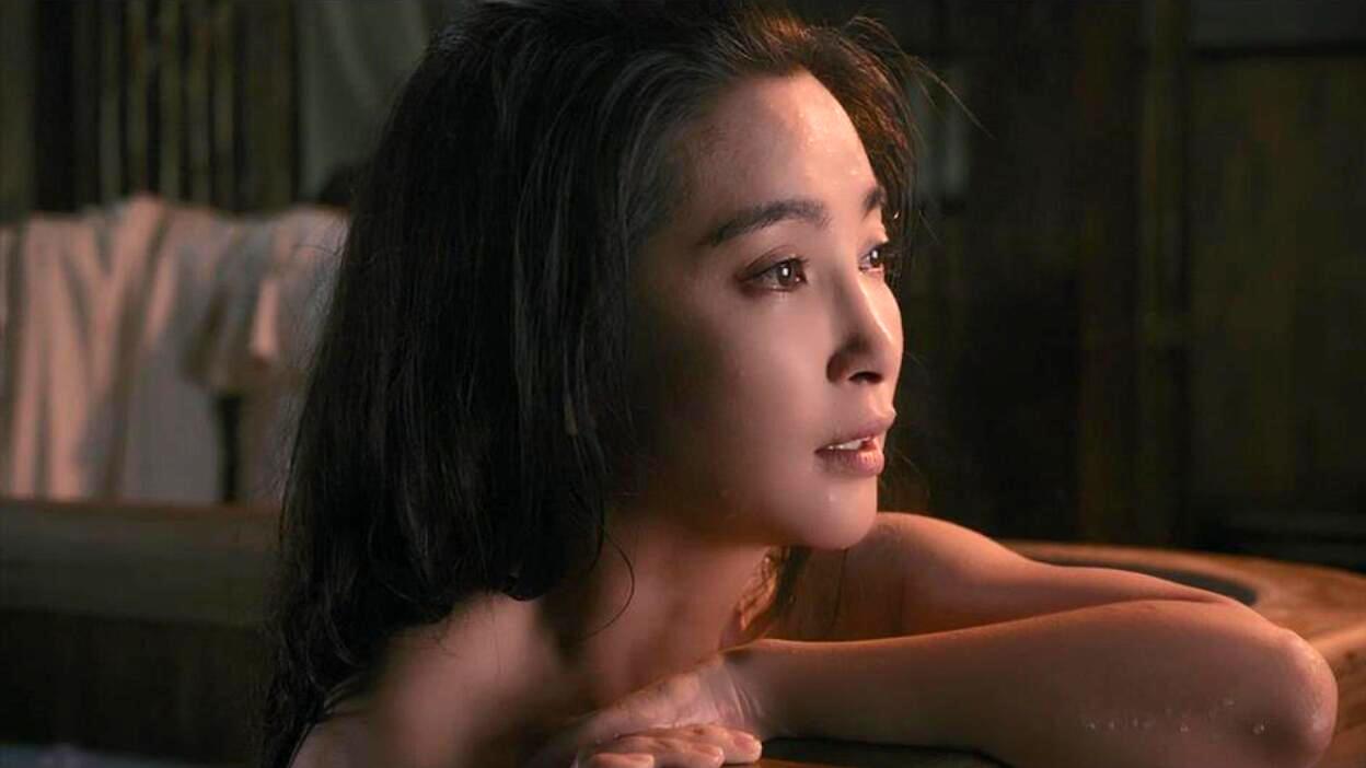 #今天有什么好笑的#千年雪妖为寻真爱,化身成美女来到人间,一部国产奇幻大片!