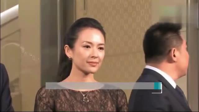 网友在新加坡偶遇度假的汪峰章子怡 夫妻同框低调显甜蜜