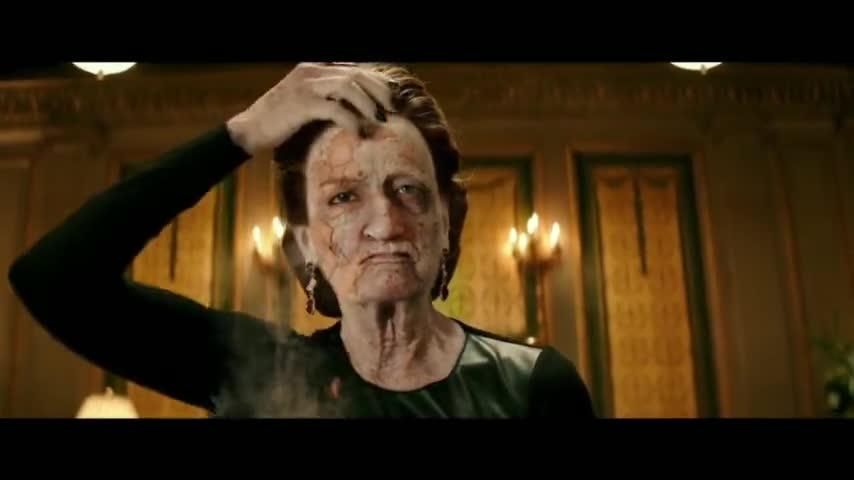 #最近有什么好电影#电影推荐:宝石碎了,女人的脸皮都掉了!