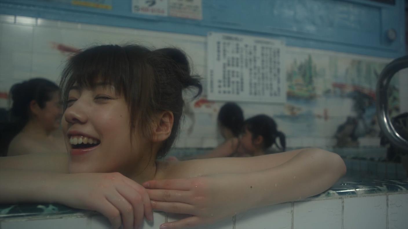 日本女孩穿越时空, 帮妈妈找初恋小伙, 没想到自己却坠入爱河