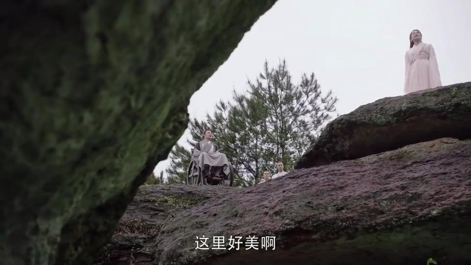 #电影迷的修养#《倚天屠龙记》,杨不悔与殷六侠在山顶掏心掏肺交流,杨不悔再次表白!