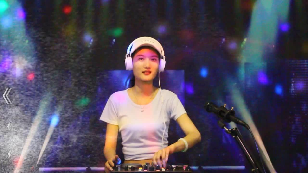 一曲DJ情歌音乐《微信惹的祸》好听醉了!