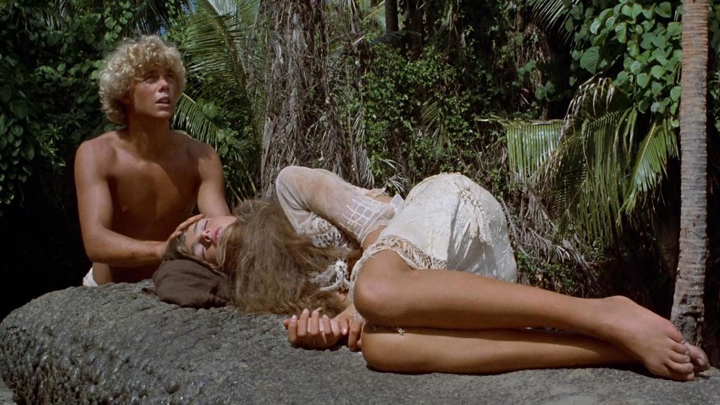 #经典看电影#少男少女流落荒岛,偷食禁果过上了快乐的生活,还生了个孩子