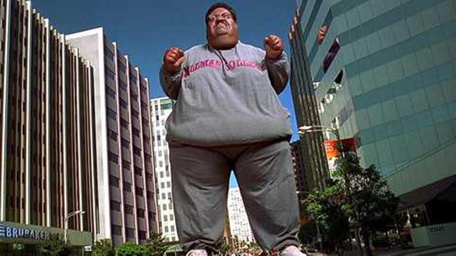 #经典看电影#10层楼高的巨人,放个屁如同八级台风,瞬间摧毁一座城市