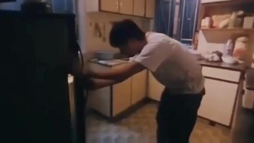 适合半夜点开 去开冰箱