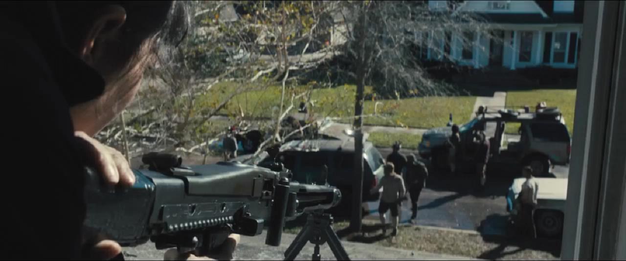 #经典看电影#小洋妞架起MG42机枪,狂扫入侵家园的黑帮,最新动作大片