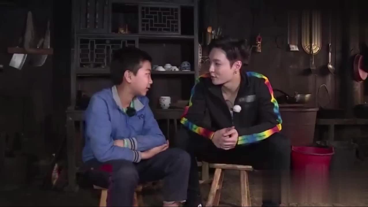 #张艺兴#《极限挑战》花絮曝光,张艺兴与弟弟的小约定
