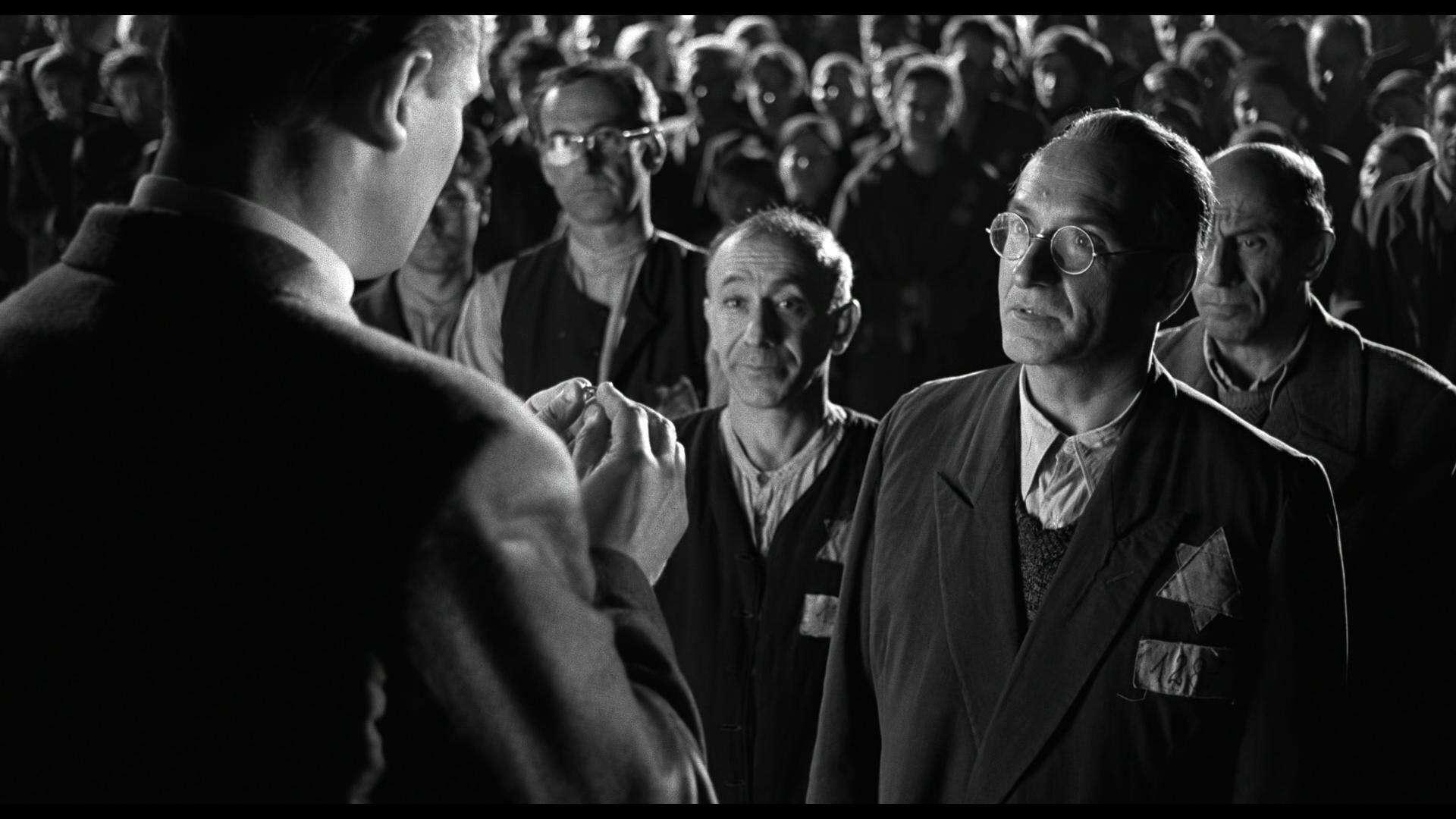 #经典看电影#《辛德勒的名单》:一张纸上所能承载的生命有多重?