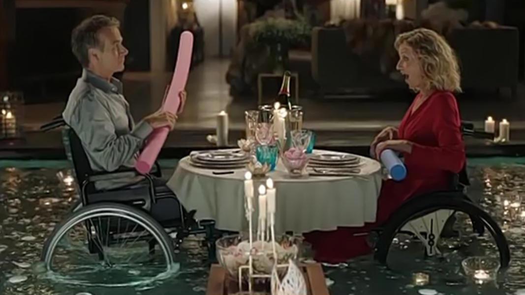 #电影最前线#《真爱百分百》让我对法式浪漫有了更深的理解,尤其是泳池那场戏
