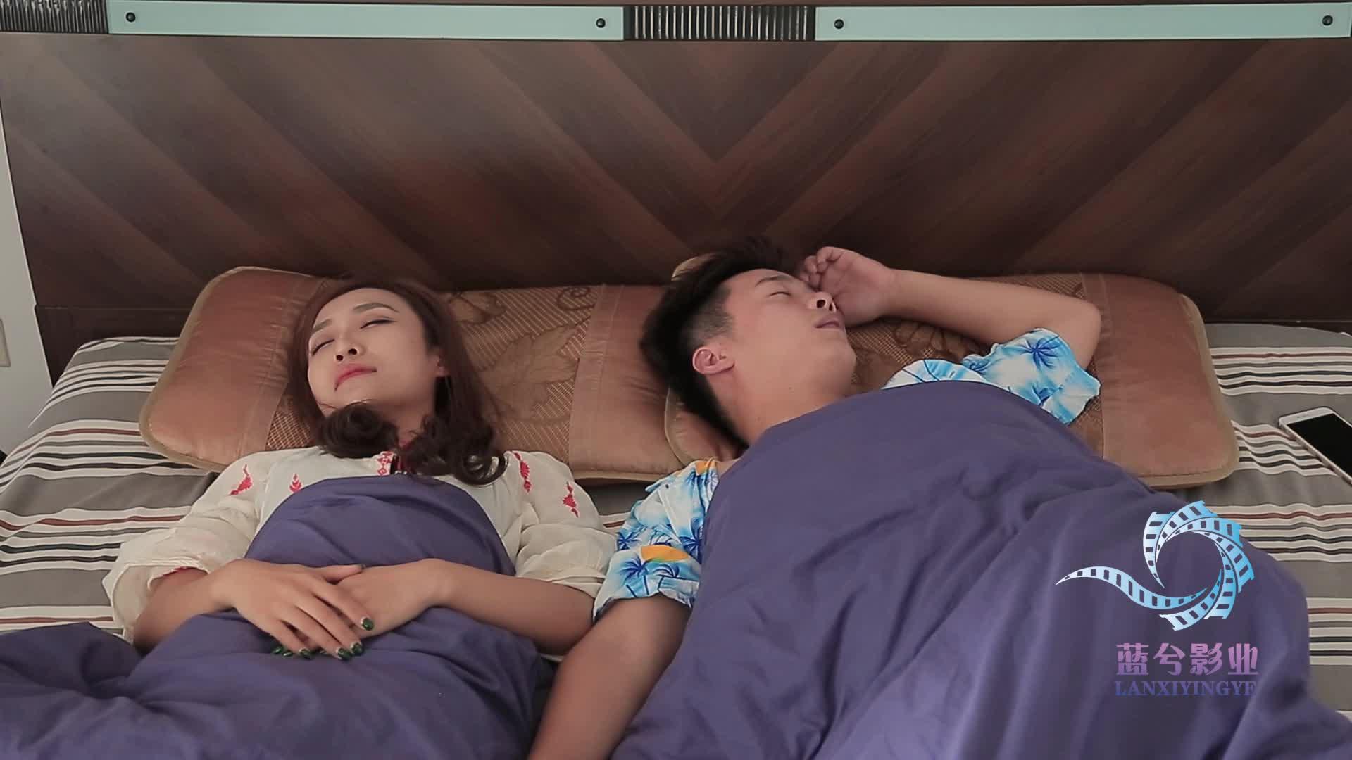 自从和女朋友同居以后,睡眠质量越来越差了