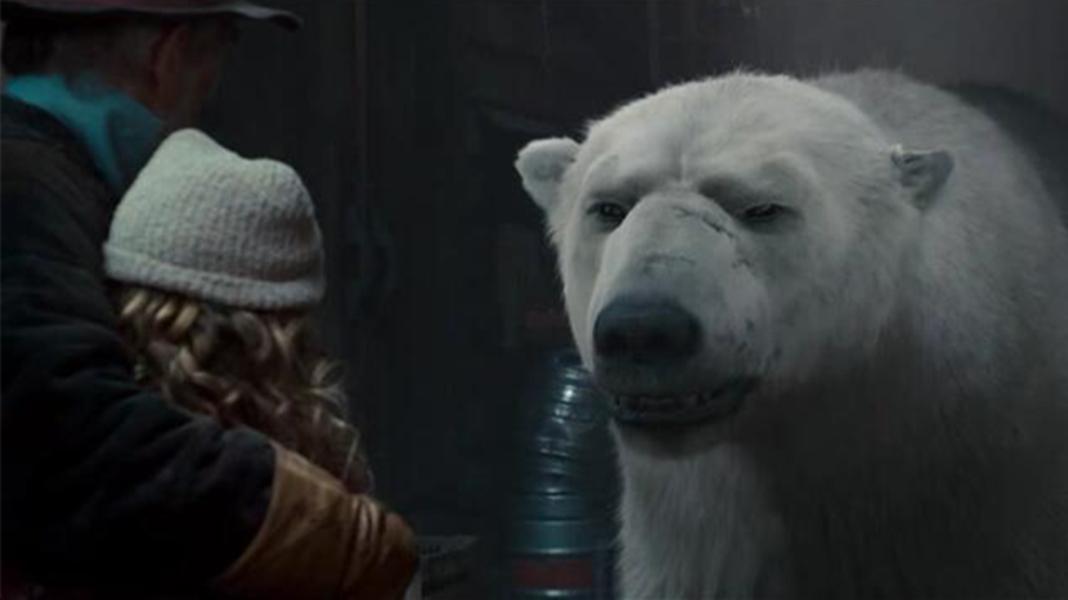 #经典看电影#7岁小女孩拯救了一只冰熊的尊严,冰熊发誓将要守护她一辈子!