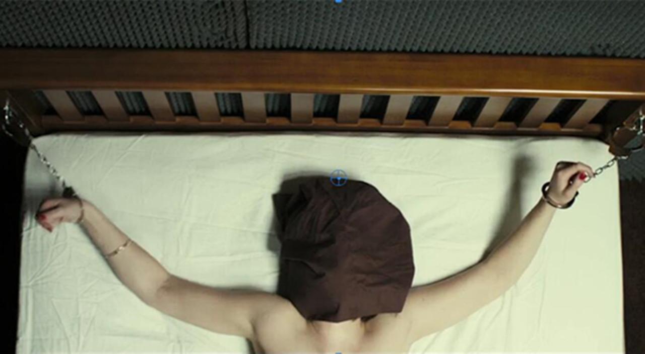 #电影最前线#两男一女大尺度绑架囚禁案件!16岁以下不能看的R级惊悚片!