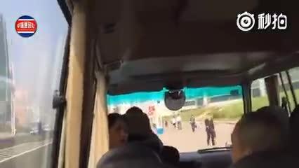 罕见的朝鲜旅游,有个司机一不小心开错了路,结果很是尴尬~