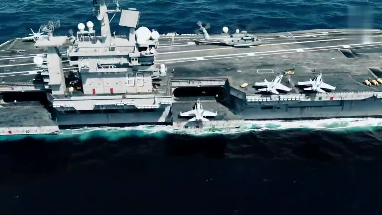 美军航母战斗机出动,支援地面部队打丧尸