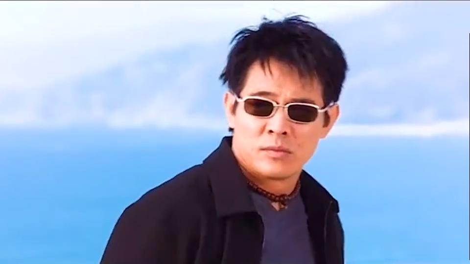 #一起看电影#李连杰自由落体动作下楼,估计是没人能超越了