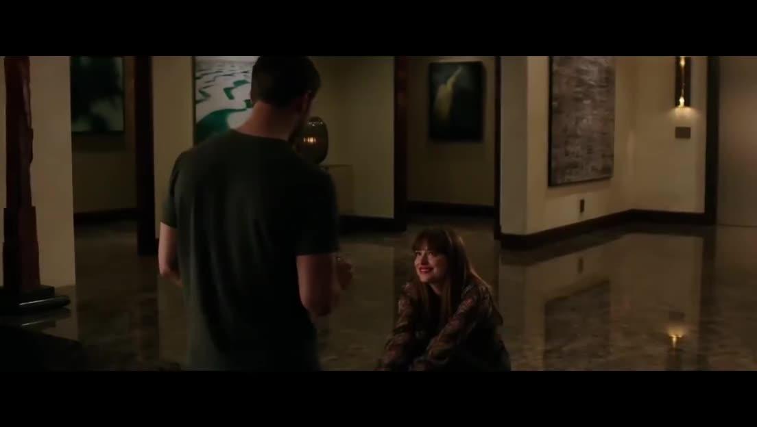 《五十度黑》:詹米·多南求婚 上演浴室激情