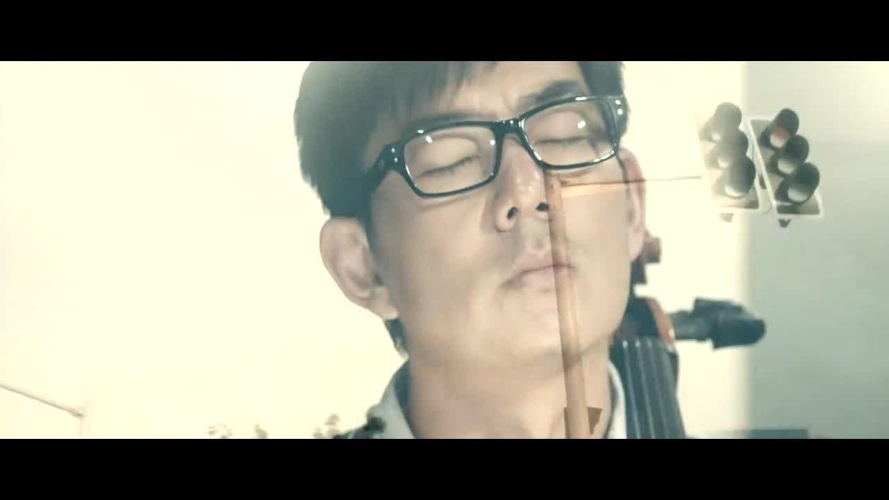 只有找到已经是国际知名音乐人杨琳,开一场音乐会,来拯救学校
