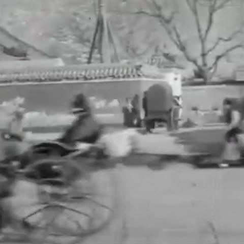 清末北京街景,鲜活地还原了清朝人当时的生活场景