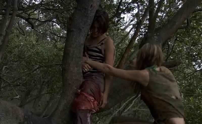 #电影最前线#真实事件改编的冒险片,一枪干掉野生鳄,4分钟看完《黑水》