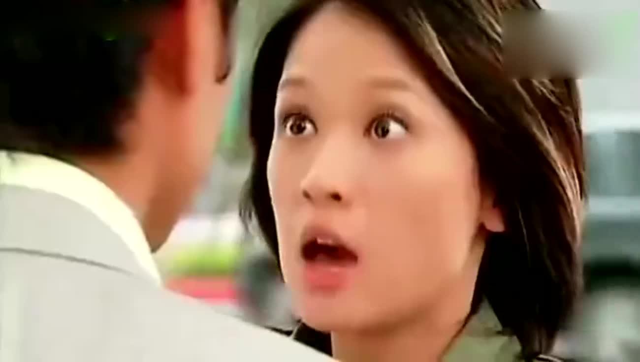 #追剧不能停#《王子变青蛙》里明道和陈乔恩马路飙戏片段,这眼神的演技可以哦
