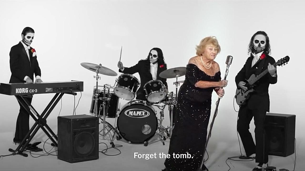 #经典看电影#如此硬核又可爱的《死亡金属奶奶》见过没?